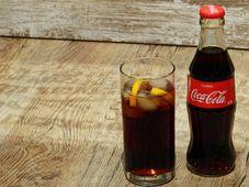 Coca-Cola, фото: Bruno Glätsch / Pixabay, CC0