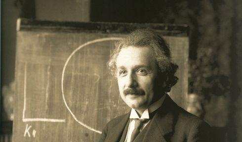 Albert Einstein (1921), photo: Ferdinand Schmutzer, Public Domain