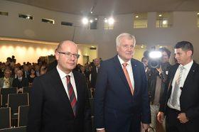 Bohuslav Sobotka und Horst Seehofer (Foto: Archiv des Regierungsamtes der Tschechischen Republik)