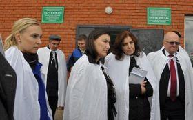 Никола Грушкова (слева) в российских регионах, Фото: архив МИД ЧР