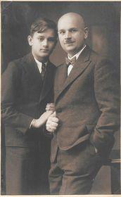 Alexander Novotný and his son (early 1930s), photo: Alexander Novotný's family archive