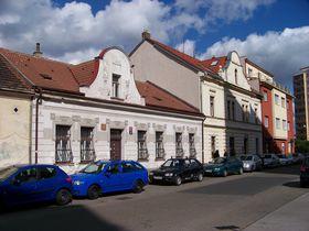 Straße Pod altánem (Foto: ŠJů, Wikimedia Commons, CC BY-SA 3.0)
