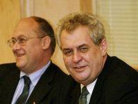 Премьер-министр Милош Земан (направо), Фото: ЧТК