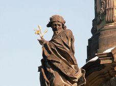 Socha sv. Jana Sarkandera na sloupu nejsvětější Trojice v Olomouci, foto: Jan Kameníček, CC0