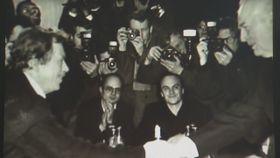 Cita de Václav Havel con  el jefe del partido Comunist, Ladislav Adamec, (1989), foto: ČT24