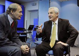 Jefe de la Asociación Sindicalista de Médicos, Martin Engel, y el ministro de Salud, Leoš Heger. Foto: ČTK