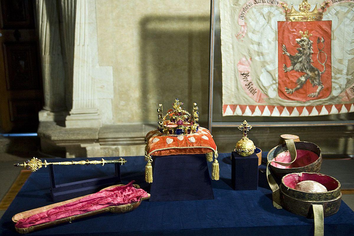 Poklady Pražského hradu budou vystaveny v Moskvě  5d57f176233