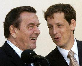 Gerhard Schroder y Stanislav Gross (Foto: CTK)
