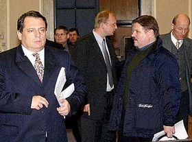 De izquierda: JIri Paroubek, Libor Ambrozek y Zdenek Skromach (Foto: CTK)