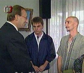 Jiri Sitler (por izquierda), Emil Novotný y Radek Hanykovics (por la derecha), foto: CTK