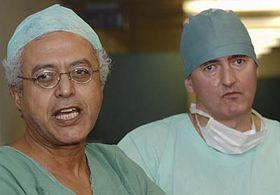 Nagy Habib (vlevo) aprimář urologického oddělení jablonecké nemocnice Jaroslav Všetečka, foto: ČTK