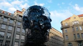 Kafka-Kopf von David Černý (Foto: YouTube)