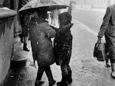 Дети под зонтом, Вильнюс, 1963