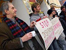 Protestierende Väter (Foto: ČTK)