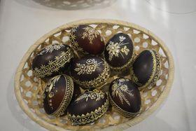 Яйца с соломенными узорами, фото: Эва Туречкова