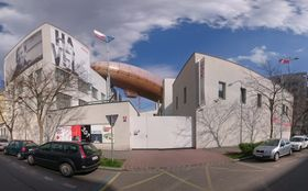 Airship Gulliver at DOX, photo: Till Eichenauer