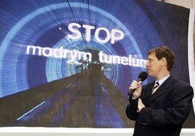 Stanislav Gross y la campaña electoral de la Socialdemocracia checa (Foto: CTK)