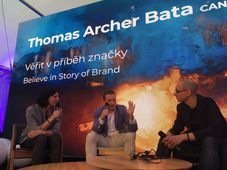 Thomas Archer Bata (in the middle), photo: Ian Willoughby