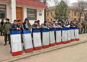 Представители крымской самообороны, март 2014 г., Фото: Elizabeth Arrott, открытый источник