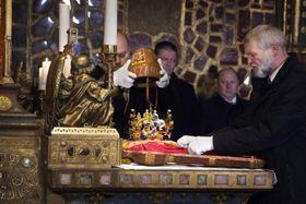 Подлинные коронационные регалии, фото: Филип Яндоурек, Чешское радио