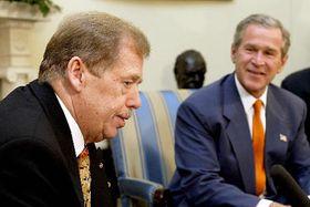 Вацлав Гавел и Джордж Буш (Фото: ЧТК)