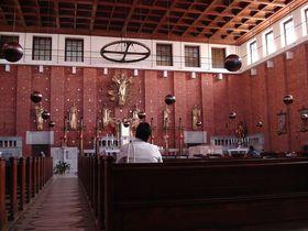 El interior de la iglesia del Sagrado Corazón en Praga, foto: diligent / public domain