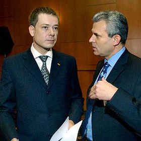 Předseda Unie svobody-DEU Pavel Němec amístopředseda Karel Kühnl na sjezdu strany, foto: ČTK