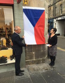 Unveiling of the plaque commemorating Pavel Kravař in St Andrews, photo: archive of Czech Foreign Ministry