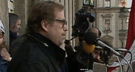 Václav Havel, Wenceslas Square, 1989, photo: Czech Television
