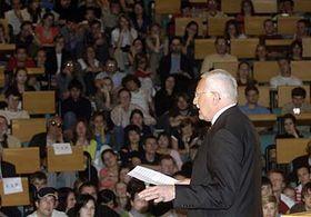 Vaclav Klaus presenting his views to students at the Prague School of Economics, photo: CTK