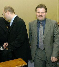 Bohuslav Sobotka, ministro Finanzas (a la izquierda) y Zdenek Skromach, ministro de Trabajo y Asuntos Sociales (Foto: CTK)