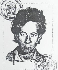 Вера Соснарова – фото на документе, выданном в СССР для выезда в Чехословакию, фото: Архив Веры Соснаровой