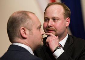 Депутаты ЧСДП Михал Гашек и Иероним Тейц (Фото: Филип Яндоурек, Чешское радио)