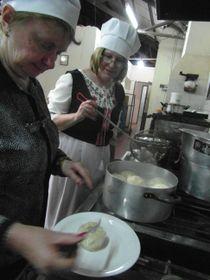 Las descendientes cocinan knedlíky, foto: Lenka Rašková