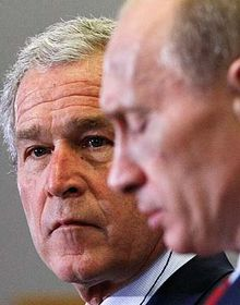 George Bush (vlevo) aVladimir Putin, foto: ČTK
