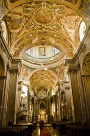 Bohatě zdobený interiér baziliky Navštívení Panny Marie, foto: Vít Pohanka