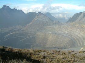 Die größte Goldmine der Welt (Foto: Alfindra Primaldhi, Wikimedia Commons, CC BY 2.0)