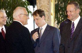 Вацлав Клаус прощается с уходящим в отставку Кабинетом министров (Фото: ЧТК)