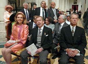 Vaclav Havel con su esposa Dagmar asistiendo en Madrid a la boda real, foto: CTK