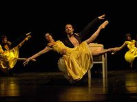 Спектакль «Соло для троих. Брель-Высоцкий-Крыл»