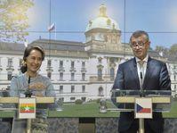 Aung San Suu Kyi und Andrej Babiš (Foto: ČTK / Michaela Říhová)