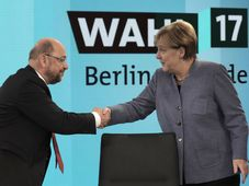 Martin Schulz, Angela Merkel, photo: CTK