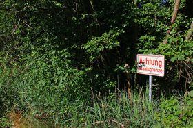 Warnschild an der Österreich-Tschechischen Grenze in Gmünd (Foto: Duke of W4, Wikimedia Commons, CC BY-SA 3.0 AT)