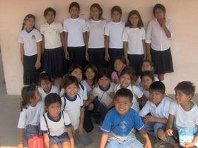 Alumnos de la escuela básica de Puerto Esperanza
