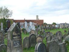 Jüdischer Friedhof in der mährischen Stadt Holesov, foto: Jitka Erbenová, CC BY-SA 3.0 Unported