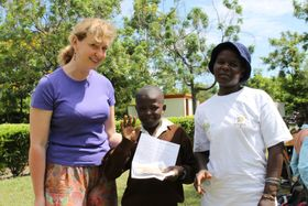 Dana Eminová (a la izquierda), foto: archivo del centro 'NAROVINU'