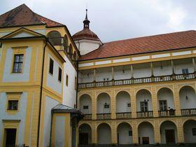 Tovačovský zámek - nádvoří, foto: Lehotsky, CC BY 3.0 Unported
