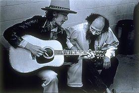 Bob Dylan y Allen Ginsberg, foto: Elsa Dorfman, CC BY 2.5