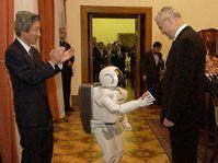 Junichiro Koizumi, Asimo and Vladimir Spidla, photo: CTK