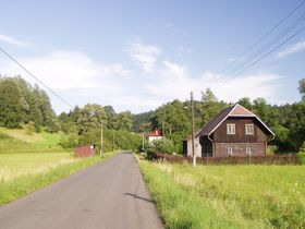 Ves Trávníček, kde Josef Adam působil, foto: Miloslav Rejha, Flickr, CC BY-SA 2.0